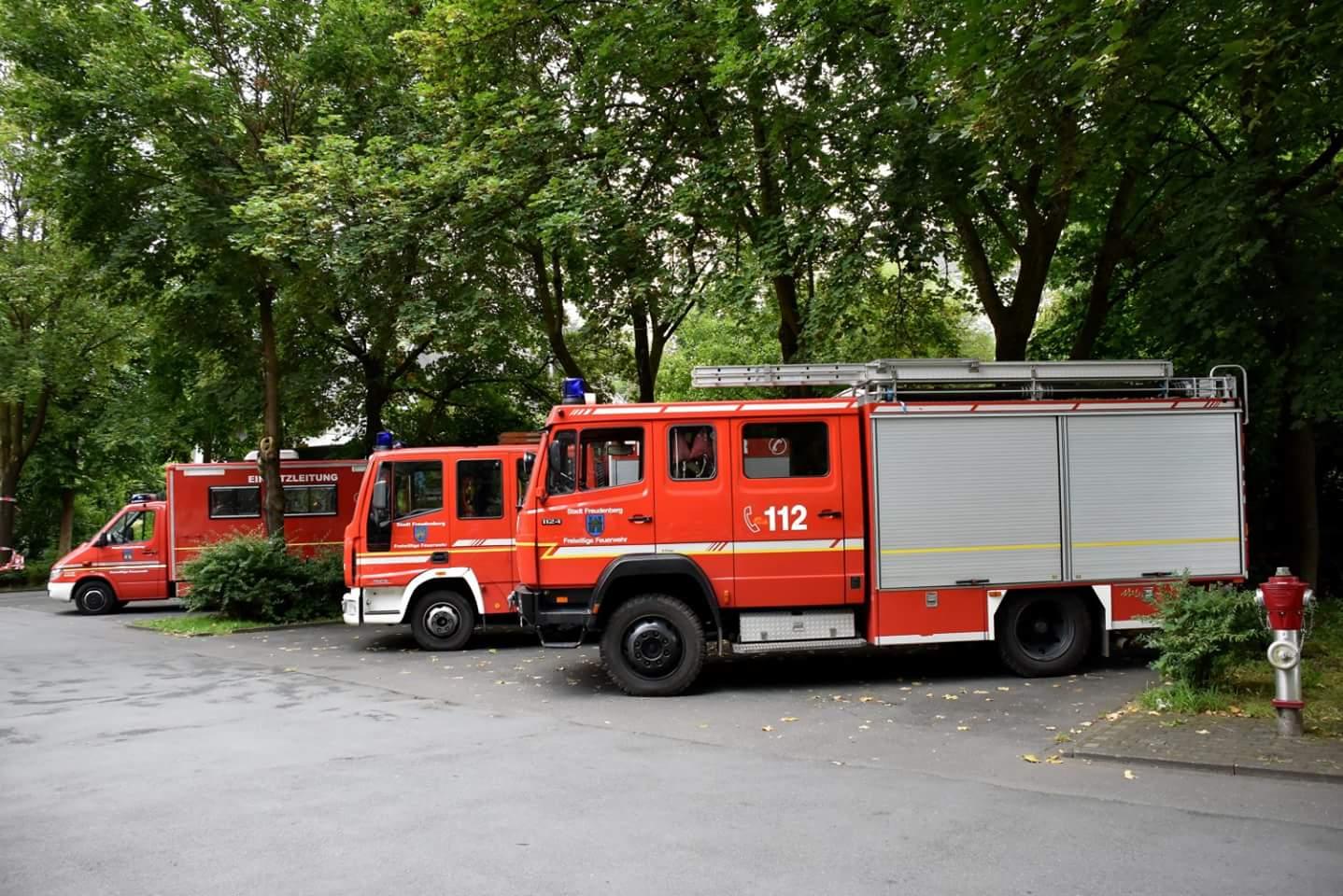 Fahrzeuge_TLF_1625_mit_LF10.jpg